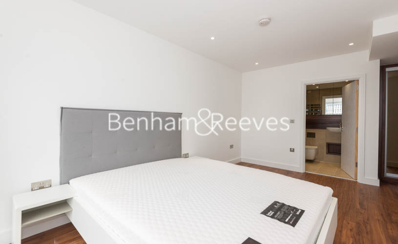 2 bedroom(s) flat to rent in Gladwin Tower,50 Wandsworth Road,SW8-image 10