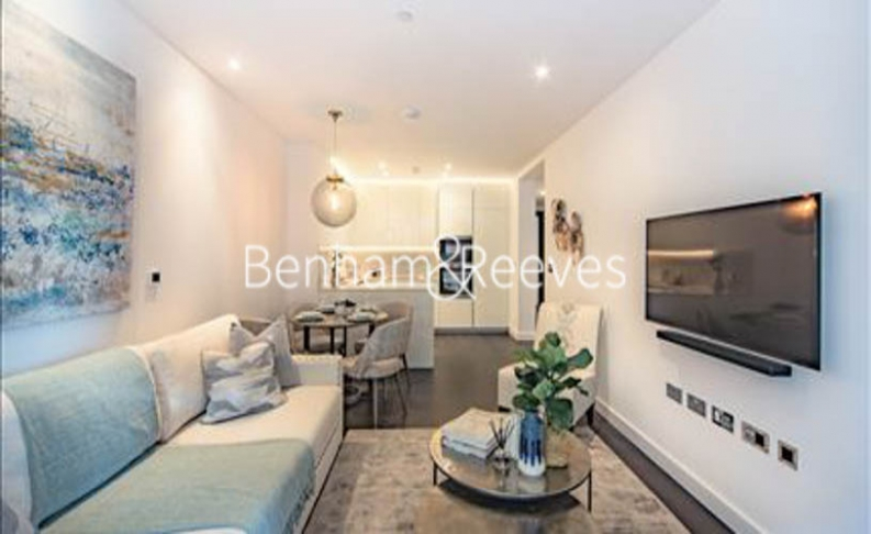 2 bedroom(s) flat to rent in Thornes House, Charles Clowes Walk, SW11-image 1