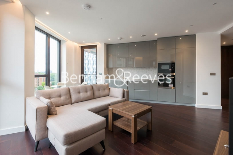 2 bedroom(s) flat to rent in Haines House, Charles Clowes Walk, SW11-image 1