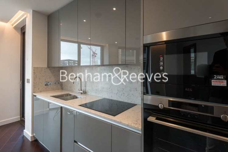 2 bedroom(s) flat to rent in Haines House, Charles Clowes Walk, SW11-image 2