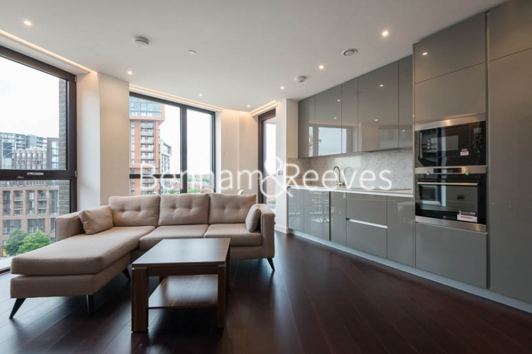 2 bedroom(s) flat to rent in Haines House, Charles Clowes Walk, SW11-image 3