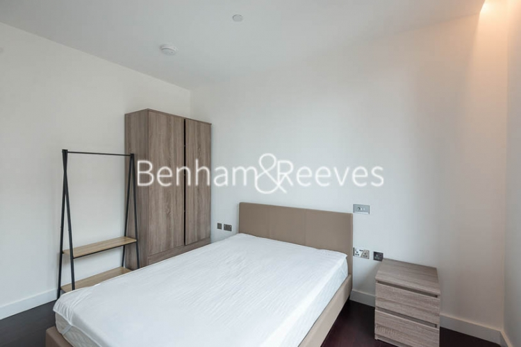 2 bedroom(s) flat to rent in Haines House, Charles Clowes Walk, SW11-image 9