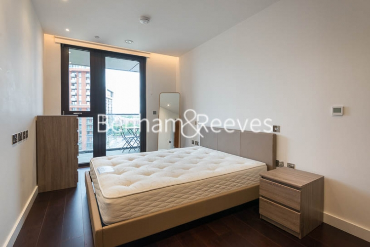 2 bedroom(s) flat to rent in Haines House, Charles Clowes Walk, SW11-image 13