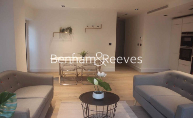 2 bedroom(s) flat to rent in Keybridge Tower, Exchange Gardens, SW8-image 1