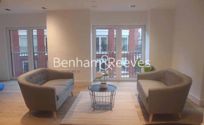 2 bedroom(s) flat to rent in Keybridge Tower, Exchange Gardens, SW8-image 6