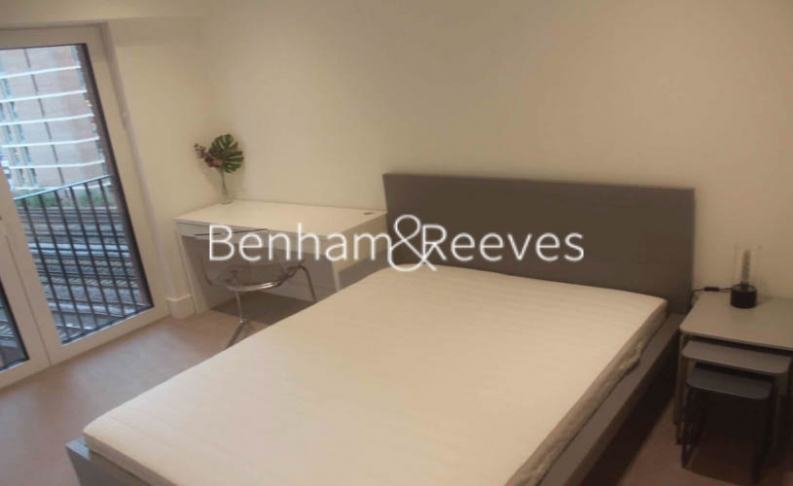 2 bedroom(s) flat to rent in Keybridge Tower, Exchange Gardens, SW8-image 7