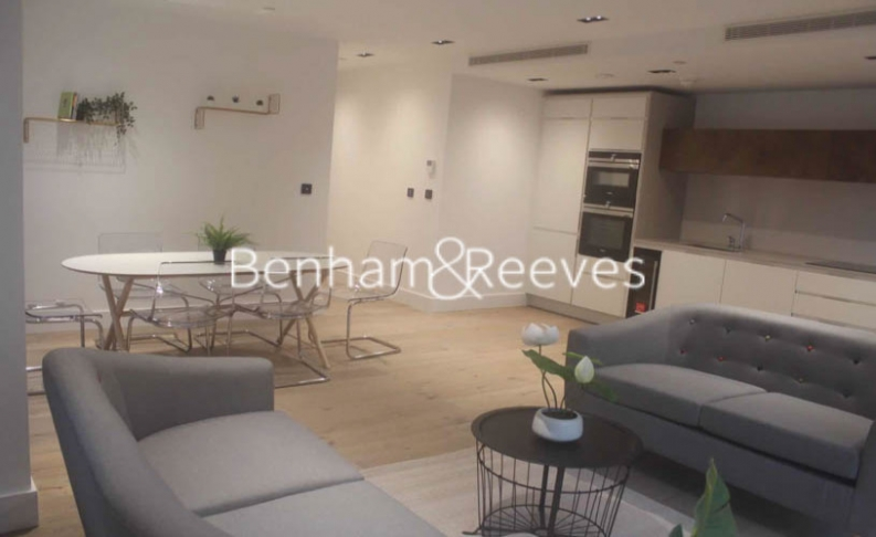 2 bedroom(s) flat to rent in Keybridge Tower, Exchange Gardens, SW8-image 8