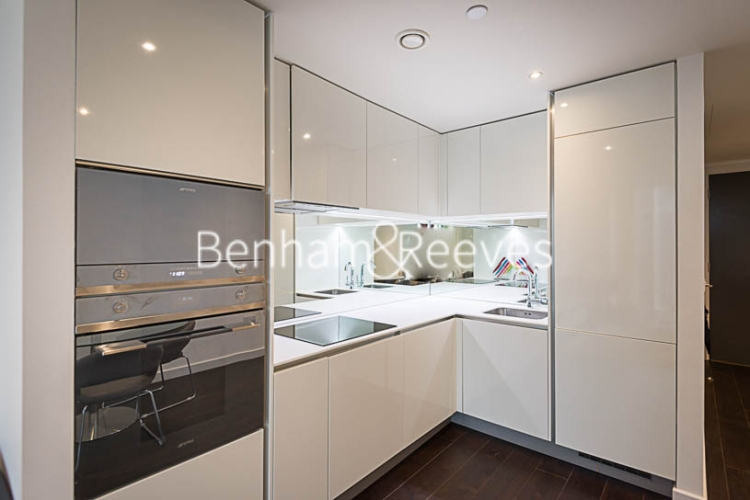 2 bedroom(s) flat to rent in Sky Gardens, Wandsworth Road, SW8-image 2