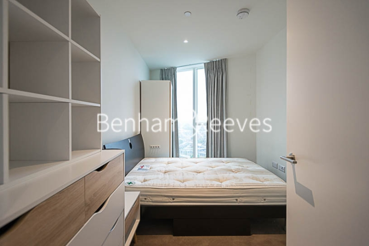 2 bedroom(s) flat to rent in Sky Gardens, Wandsworth Road, SW8-image 9