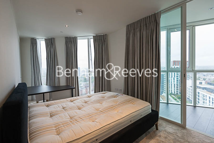 2 bedroom(s) flat to rent in Sky Gardens, Wandsworth Road, SW8-image 11