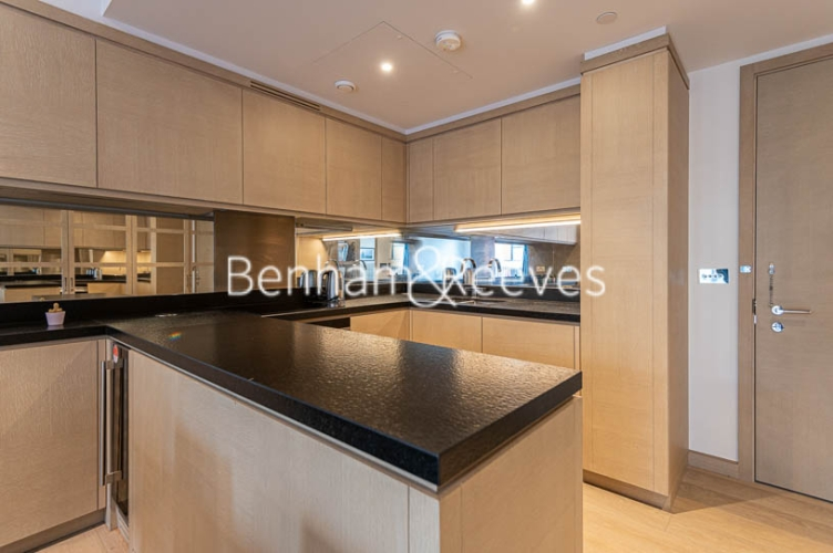 1 bedroom(s) flat to rent in Legacy Building, Viaduct Gardens SW11-image 11
