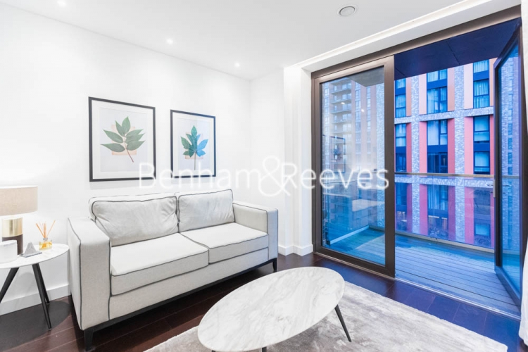 1 bedroom(s) flat to rent in Haines House, Nine Elms, SW11-image 1