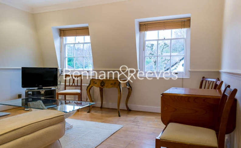 2 bedroom(s) flat to rent in Hogarth Court, Hampstead, NW3-image 1