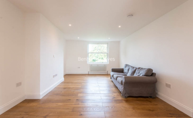 3 bedroom(s) flat to rent in Haverstock Hill, Belsize Park, NW3-image 1