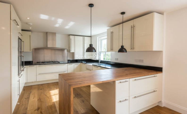 3 bedroom(s) flat to rent in Haverstock Hill, Belsize Park, NW3-image 3