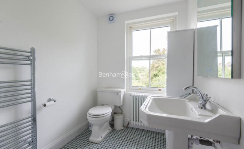 3 bedroom(s) flat to rent in Haverstock Hill, Belsize Park, NW3-image 6