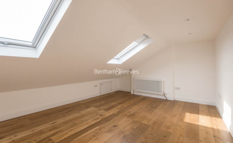 3 bedroom(s) flat to rent in Haverstock Hill, Belsize Park, NW3-image 11
