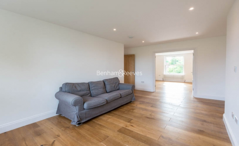 3 bedroom(s) flat to rent in Haverstock Hill, Belsize Park, NW3-image 15