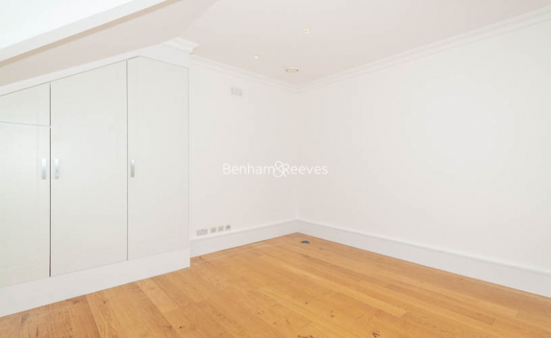3 bedroom(s) flat to rent in Downside Crescent, Belsize Park, NW3-image 9