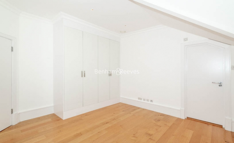 3 bedroom(s) flat to rent in Downside Crescent, Belsize Park, NW3-image 11