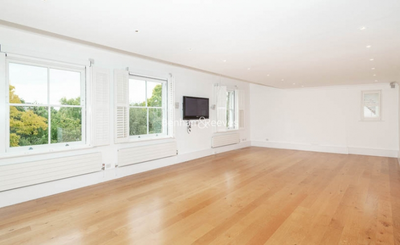 3 bedroom(s) flat to rent in Downside Crescent, Belsize Park, NW3-image 13