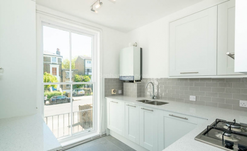 2 bedroom(s) flat to rent in Parkhill Road, Belsize Park, NW3-image 3