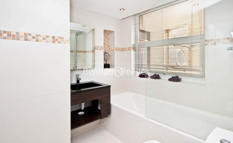 3 bedroom(s) flat to rent in Boydell Court, St John's Wood, NW8-image 4