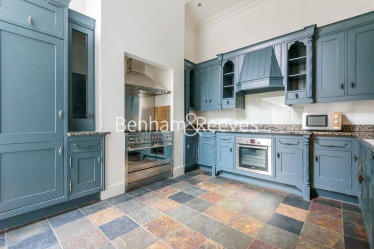 6 bedroom(s) house to rent in Glenloch Road, Hampstead, NW3-image 2