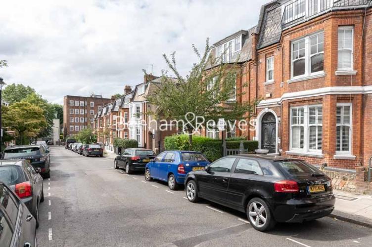 6 bedroom(s) house to rent in Glenloch Road, Hampstead, NW3-image 13