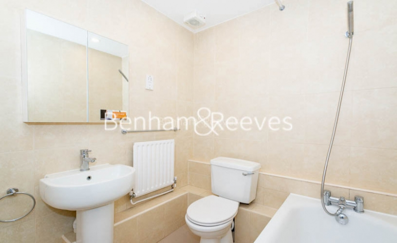 3 bedroom(s) flat to rent in Parkhill Road, Belsize Park, NW3-image 4