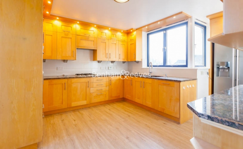 3 bedroom(s) flat to rent in Firecrest Drive, Hampstead, NW3-image 10