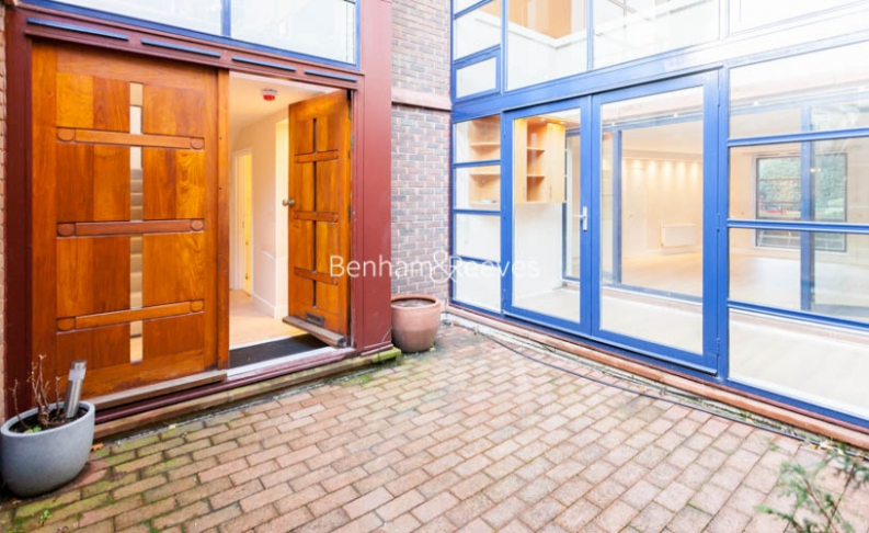 3 bedroom(s) flat to rent in Firecrest Drive, Hampstead, NW3-image 14