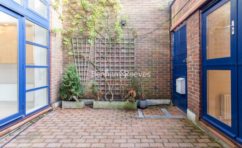 3 bedroom(s) flat to rent in Firecrest Drive, Hampstead, NW3-image 15