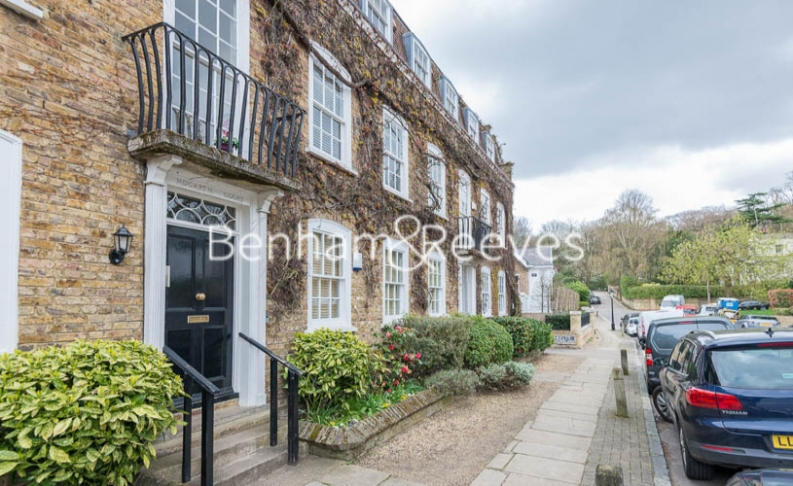 2 bedroom(s) flat to rent in Hogarth Court, North End Road, NW3-image 5