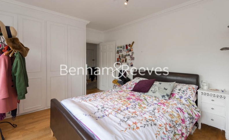 2 bedroom(s) flat to rent in Hogarth Court, North End Road, NW3-image 7