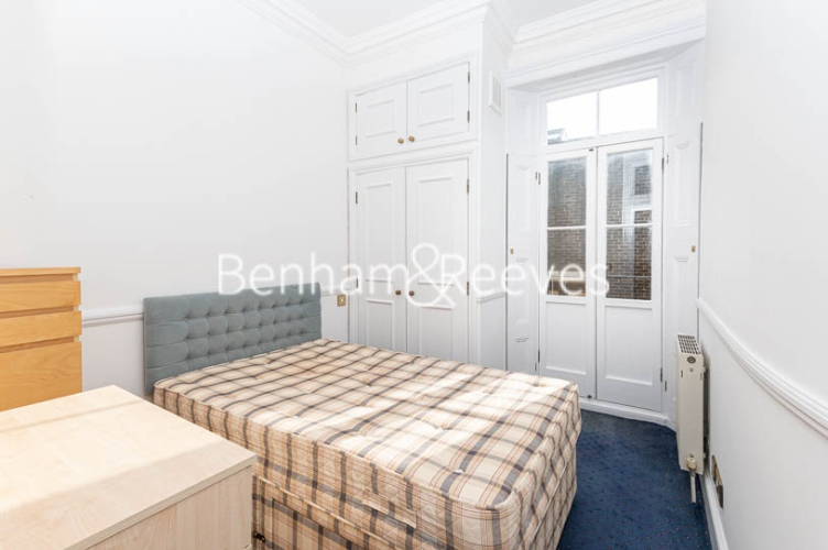 2 bedroom(s) flat to rent in Lyndhurst Road, Hampstead, NW3-image 4