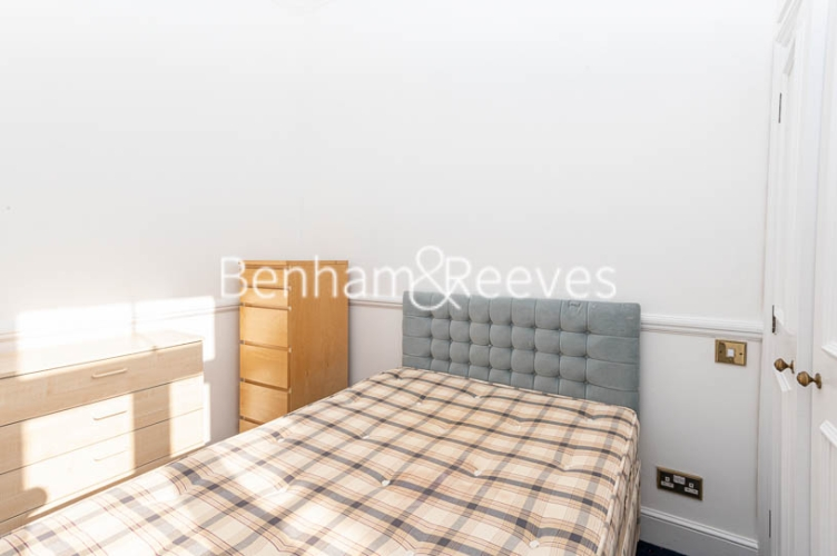 2 bedroom(s) flat to rent in Lyndhurst Road, Hampstead, NW3-image 9