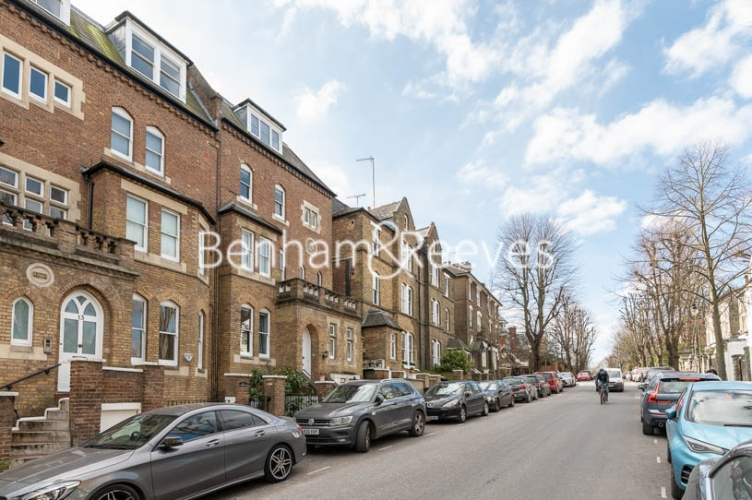 2 bedroom(s) flat to rent in Lyndhurst Road, Hampstead, NW3-image 11