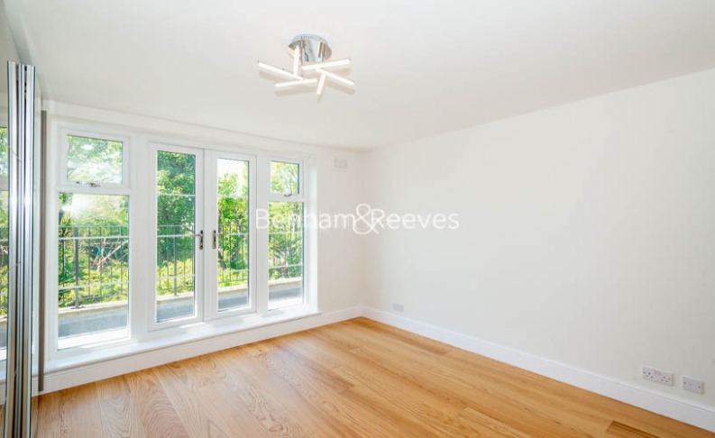 2 bedroom(s) flat to rent in Parkhill Road, Belsize Park, NW3-image 12