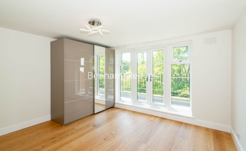 2 bedroom(s) flat to rent in Parkhill Road, Belsize Park, NW3-image 13