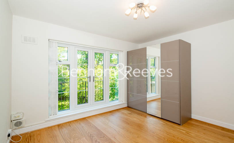 2 bedroom(s) flat to rent in Parkhill Road, Hampstead, NW3-image 3