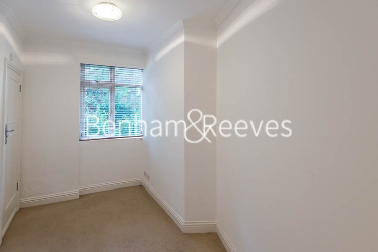 3 bedroom(s) flat to rent in Avenue Road, St John's Wood, NW8-image 3