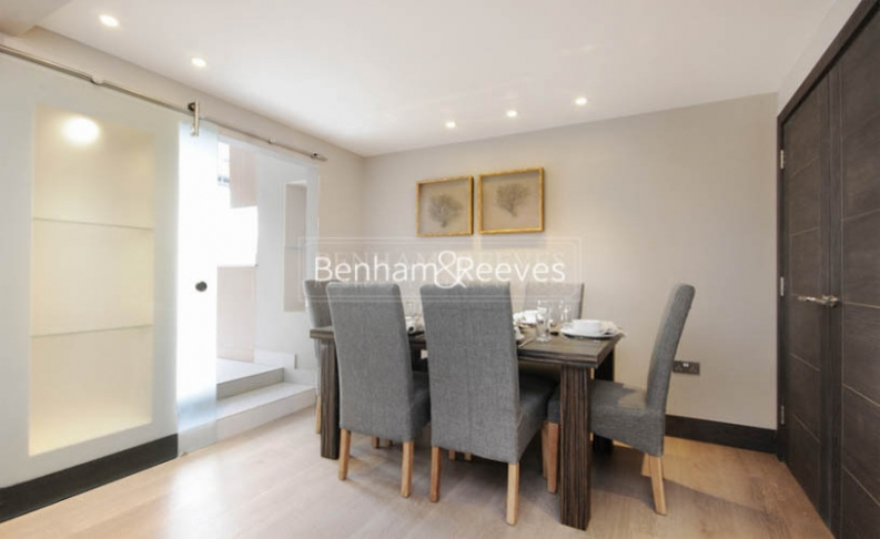 3 bedroom(s) flat to rent in Boydell Court, St. John's Wood Park, NW8-image 3