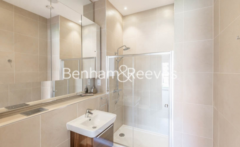4 bedroom(s) flat to rent in Finchley Road, Golders Green, NW11-image 4