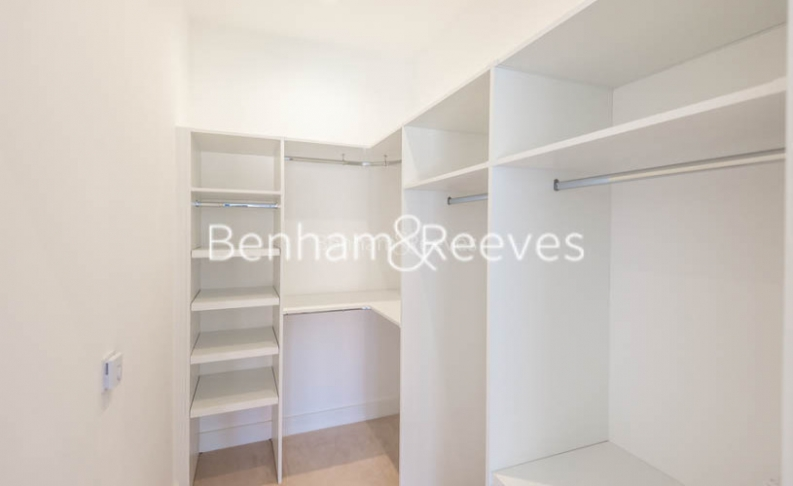 4 bedroom(s) flat to rent in Finchley Road, Golders Green, NW11-image 5