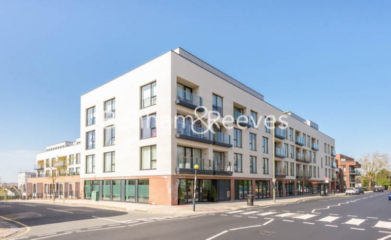 4 bedroom(s) flat to rent in Finchley Road, Golders Green, NW11-image 7