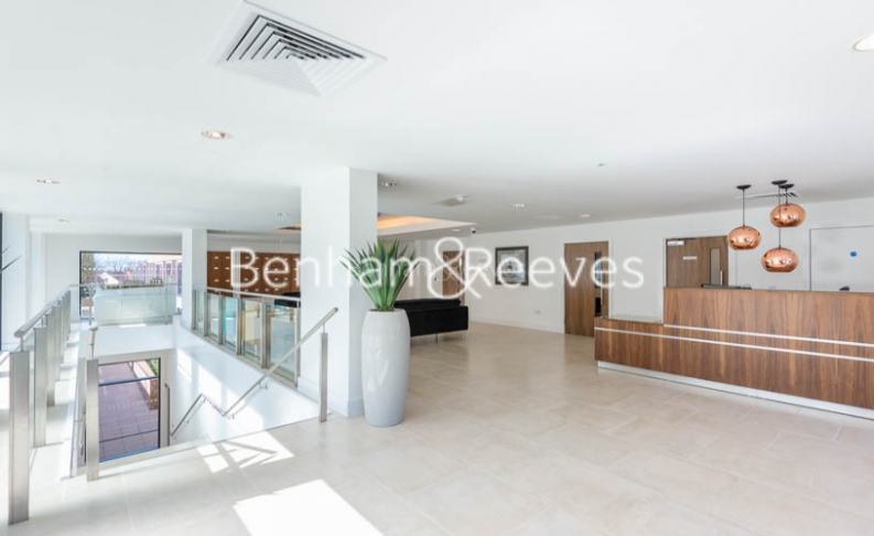 4 bedroom(s) flat to rent in Finchley Road, Golders Green, NW11-image 8