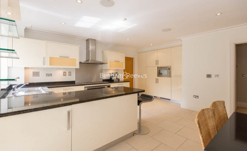 3 bedroom(s) flat to rent in Hampstead Way, Golders Green, NW11-image 4