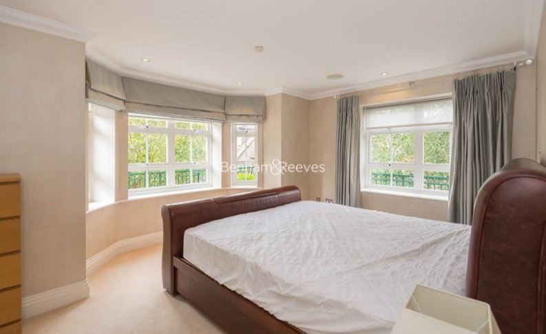 3 bedroom(s) flat to rent in Hampstead Way, Golders Green, NW11-image 5