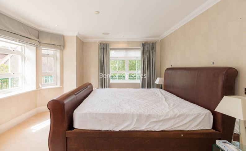3 bedroom(s) flat to rent in Hampstead Way, Golders Green, NW11-image 6
